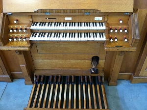 Covenant Church Organ Console