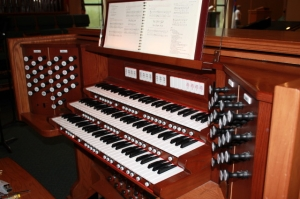 Living Word Lutheran Church organ console